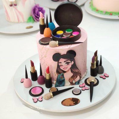 تاپر تزیین کیک بهگز مدل دختر میکی موسی